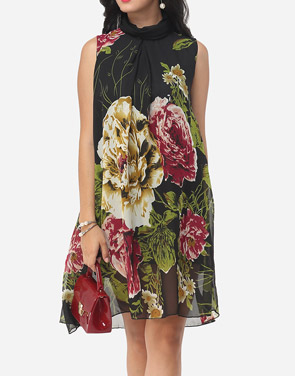 photo Floral Printed Courtly Shift Dress by FashionMia, color Black - Image 1