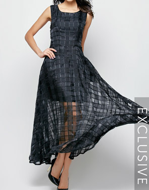 photo Plaid Plain Slash Neck Maxi Dress by FashionMia, color Black - Image 2