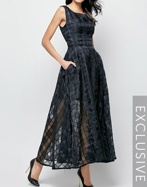 photo Plaid Plain Slash Neck Maxi Dress by FashionMia, color Black - Image 4
