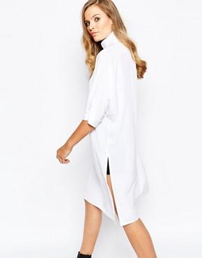 photo High Neck Batwing Dress by The Laden Showroom x Mirror Mirror, color Navy - Image 2