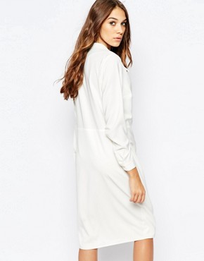photo 70s Plunge Neck Wrap Dress by Neon Rose, color White - Image 2