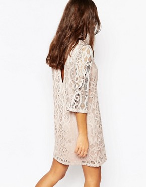 photo Half Sleeve All Over Lace Dress by Vero Moda Petite, color Champagne - Image 2