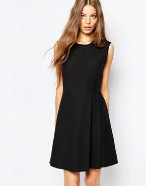photo Sleeveless Dress in Black with Pleat Detail by Sportmax Code, color Black - Image 1