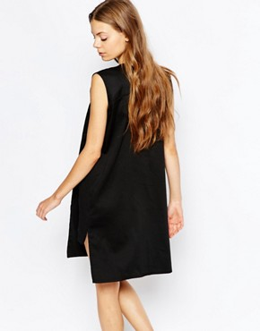 photo Tunic Dress with Pocket Detail by House of Sunny, color Black - Image 2