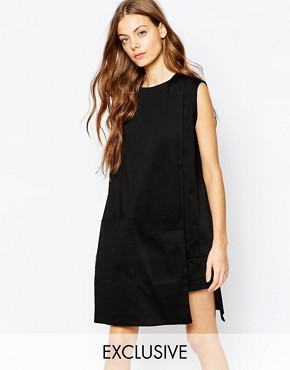 photo Tunic Dress with Pocket Detail by House of Sunny, color Black - Image 1