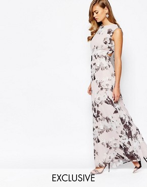 photo Print Maxi Dress with Open Back Detail by True Violet, color Floral - Image 1
