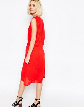 photo Multi Layer Dress with Tie Waist by Paisie, color Red - Image 2