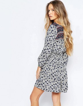 photo Printed Smock Dress by Hollister, color White - Image 2