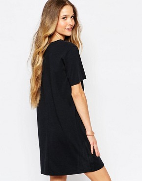 photo T-Shirt Dress with Small Heart Logo by Vans, color Black - Image 2