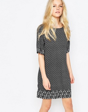 photo 3/4 Sleeve Printed Shift Dress by JDY, color Black/White - Image 1