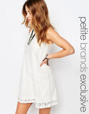 photo Sleeveless Lace High Neck Dress by Noisy May Petite, color White - Image 1