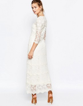 photo Lace Panel Maxi Dress by Navy London, color Cream - Image 2