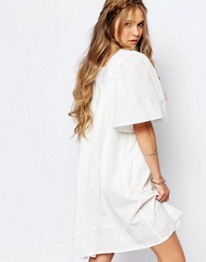 photo Angel Smock Dress with Lace Neckline by Navy London, color White - Image 2