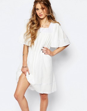 photo Angel Smock Dress with Lace Neckline by Navy London, color White - Image 1
