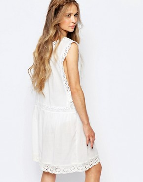 photo Pinny Sundress with Drop Armhole by Navy London, color White - Image 2
