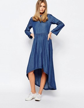 photo Denim Dress with Dipped Hem by Rollas, color Blue - Image 1