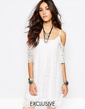 photo Cold Shoulder Dress in Lace with Scallop Edge by Rokoko, color White - Image 1