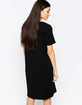 photo Capped Sleeve Shift Dress by Ichi, color Black - Image 2
