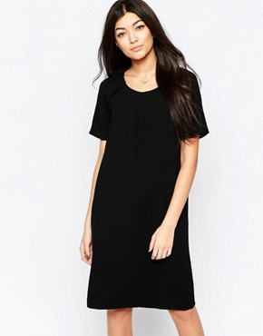 photo Capped Sleeve Shift Dress by Ichi, color Black - Image 1