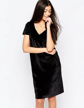 photo Capped Sleeve Pencil Dress by Ichi, color Black Velour - Image 1