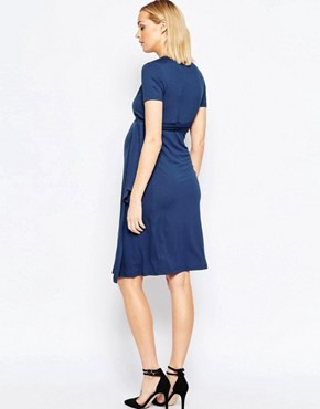 photo Nursing Short Sleeve Wrap Dress with Tie Waist by Isabella Oliver, color Navy - Image 2