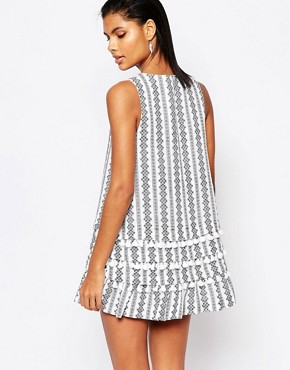 photo Printed Shift Dress with Tassles by Moon River, color White - Image 2
