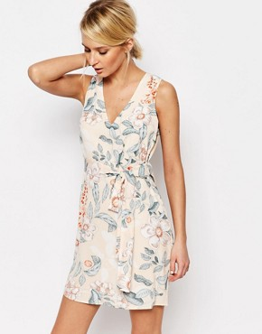 photo Shift Dress with Cut Out Back Detail in Floral by Neon Rose, color Multi - Image 1