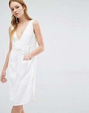 photo Plunge Neck Dress by Neon Rose, color Cream - Image 1