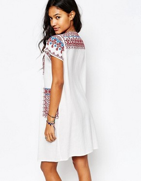 photo Lina Embroidered Tunic Dress with Pockets by Star Mela, color White/Red/Blue - Image 2