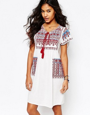photo Lina Embroidered Tunic Dress with Pockets by Star Mela, color White/Red/Blue - Image 1