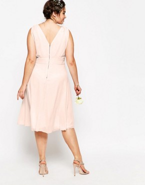 photo Prom Midi Dress with Embellished Shoulders by TFNC Plus WEDDING, color Pink - Image 2