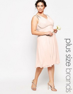 photo Prom Midi Dress with Embellished Shoulders by TFNC Plus WEDDING, color Pink - Image 1
