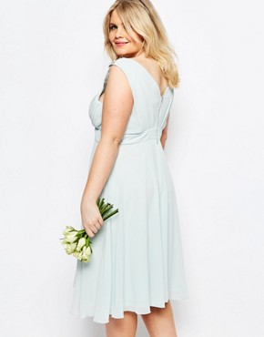 photo Prom Midi Dress with Embellished Shoulders by TFNC Plus WEDDING, color Green - Image 2