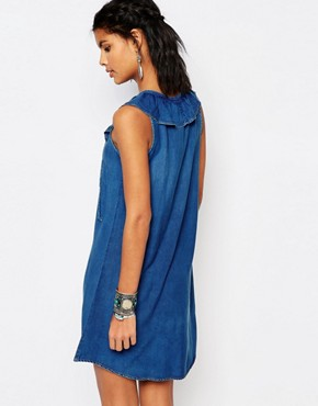 photo Denim Look Tie Front Dress with Frill Detail by Stitch & Pieces, color Blue - Image 2