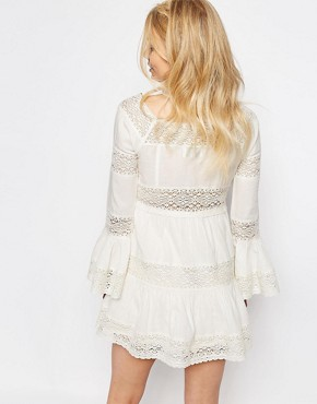 photo All Over Lace Bell Sleeve Panelled Skater Dress by White Cove Petite, color White - Image 2