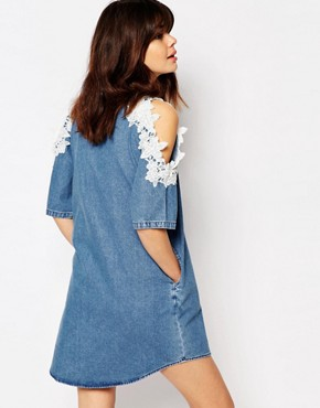 photo Denim Shift Dress with Lace Trim Cold Shoulder by I Love Friday, color Blue - Image 2