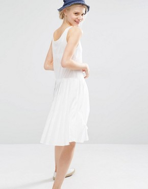 photo Sleeveless Dress with Box Pleat Skirt by I Love Friday, color White - Image 2