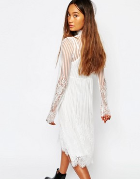 photo High Neck Sheer Lace Dress by Navy London, color White - Image 2