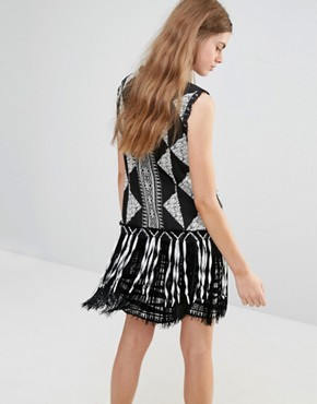 photo Fringe Shift Dress in Bark Cloth Jacquard by Anna Sui, color Black Print - Image 2