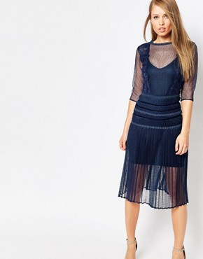 photo Louisa Sculpting Dress with Pleat Skirt and Lace by Body Frock, color Navy - Image 1