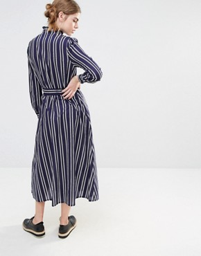 photo Alexa Midi Dress in Double Stripe by Baum und Pferdgarten, color Navy - Image 2