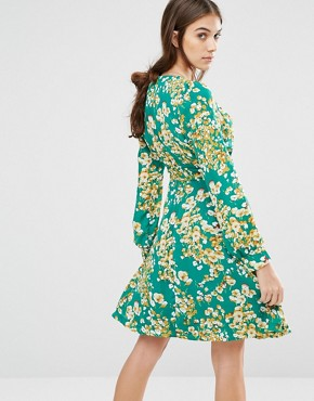 photo Super Swingy 70'S Floral Dress by Trollied Dolly, color Green - Image 2