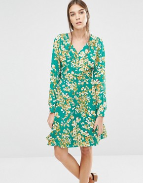 photo Super Swingy 70'S Floral Dress by Trollied Dolly, color Green - Image 1