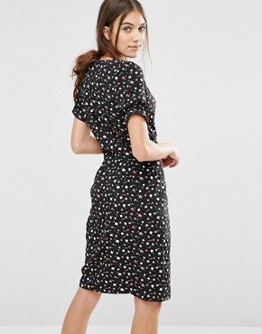 photo Dip and Dazzle Daisy Print Dress by Trollied Dolly, color Black - Image 2