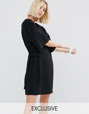 photo Shift Dress with Tie Detail by House of Sunny, color Black - Image 1