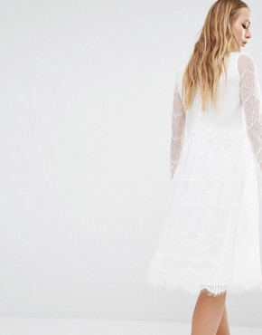 photo Midi Dress with Sheer Lace Sleeves by Navy London, color White - Image 2