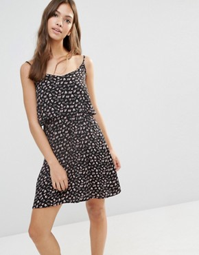photo Tiered Printed Dress by Pimkie, color White Pattern - Image 1