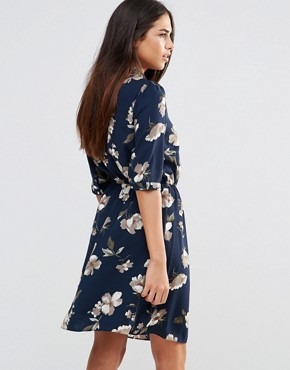 photo Pussybow Dress in Floral Print by Style London, color Navy - Image 2