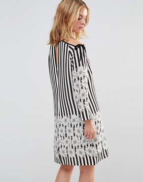 photo Dress with Tie Shoulder in Floral Stripe Print by Style London, color Black/White - Image 2