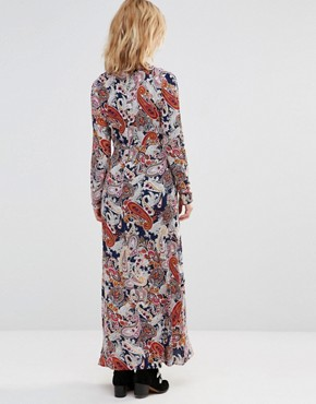 photo Maxi Dress in Scarf Print with Contrast Trims by Style London, color Navy - Image 2